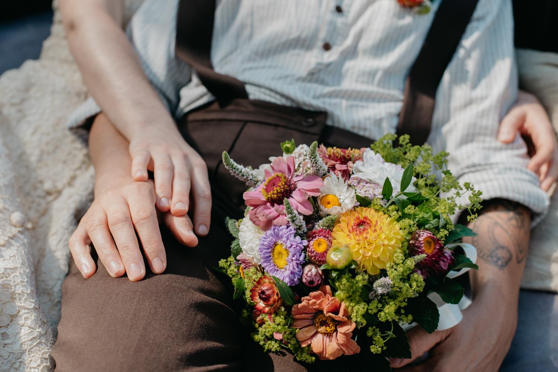 hochzeitsfotografin-wien-pressbaum-villakunterbunt-weddingphotographer-austria-vienna-wewillweddings-2 Hochzeitsfotografin Niederösterreich | Antonia & Cynthia | Villa Kunterbunt