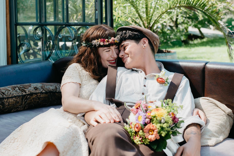 hochzeitsfotografin-wien-pressbaum-villakunterbunt-weddingphotographer-austria-vienna-wewillweddings-3 Hochzeitsfotografin Niederösterreich | Antonia & Cynthia | Villa Kunterbunt