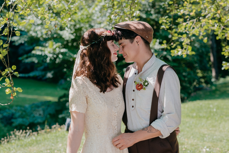 hochzeitsfotografin-wien-pressbaum-villakunterbunt-weddingphotographer-austria-vienna-wewillweddings-5 Hochzeitsfotografin Niederösterreich | Antonia & Cynthia | Villa Kunterbunt