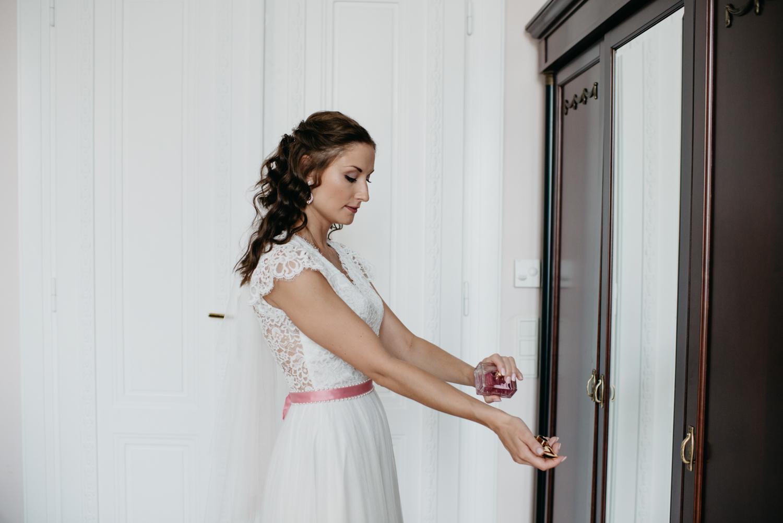 solya-mike-hochzeitsfotografin-hochzeitsfotografen-wien-hermesvilla-wedding-photographer-vienna-austria-70 Hochzeitstipps Teil 1 - Das Getting Ready