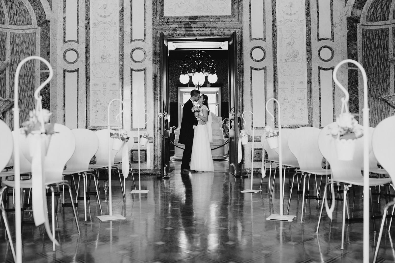 solya-mike-hochzeitsfotografin-hochzeitsfotografen-wien-hermesvilla-wedding-photographer-vienna-austria-97 Hochzeitstipps 3 - Die Trauung | Hochzeitsfotografin Tirol & Wien